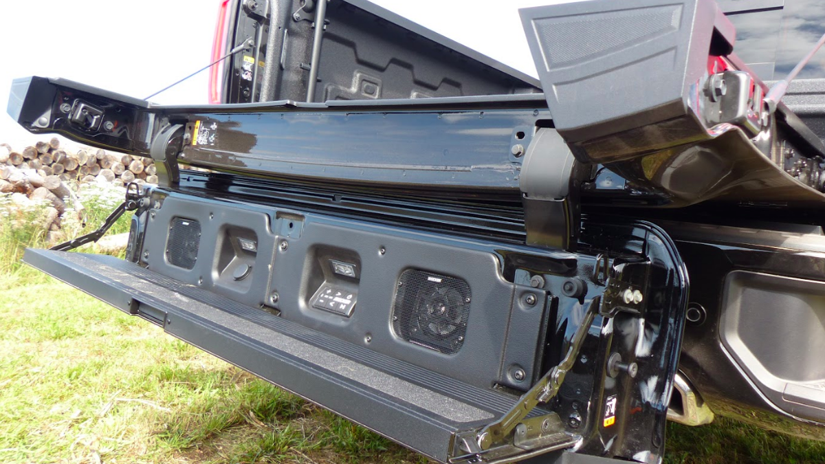 The 2019 Gmc Sierra S Six Way Multipro Tailgate Is A Great Gadget