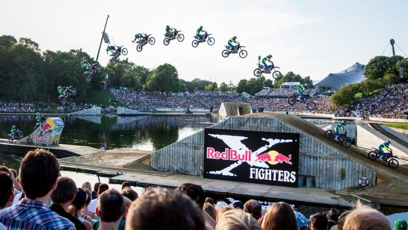 Illustration for article titled Watch Dirt Bikers Go Nuts On The World's Only Floating Motocross Track