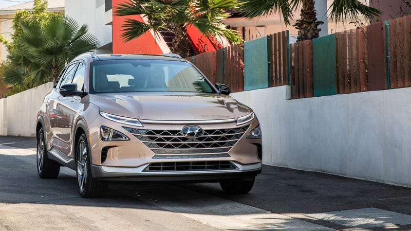 Illustration for article titled Is The Hyundai Nexo Available In Rose Gold? A Jalopnik Investigation