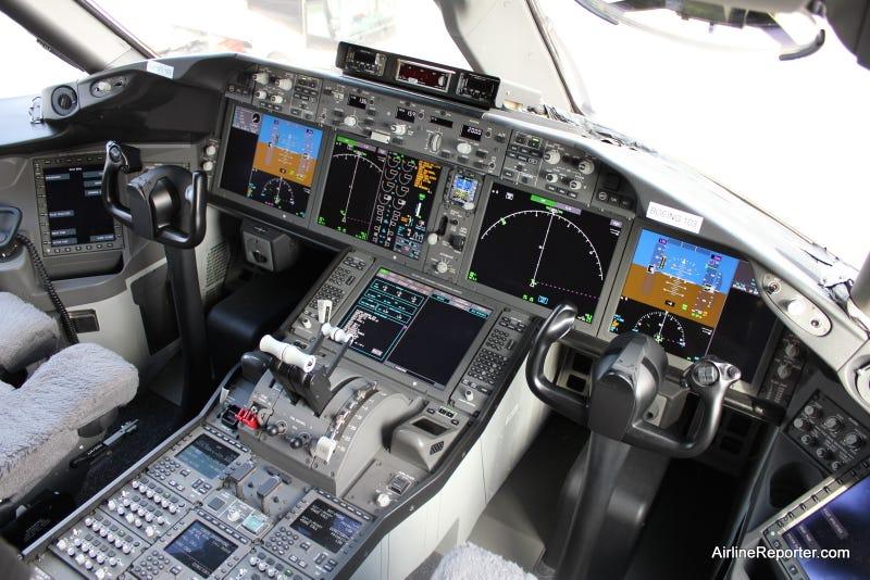 Illustration for article titled Dreamliner Cockpit