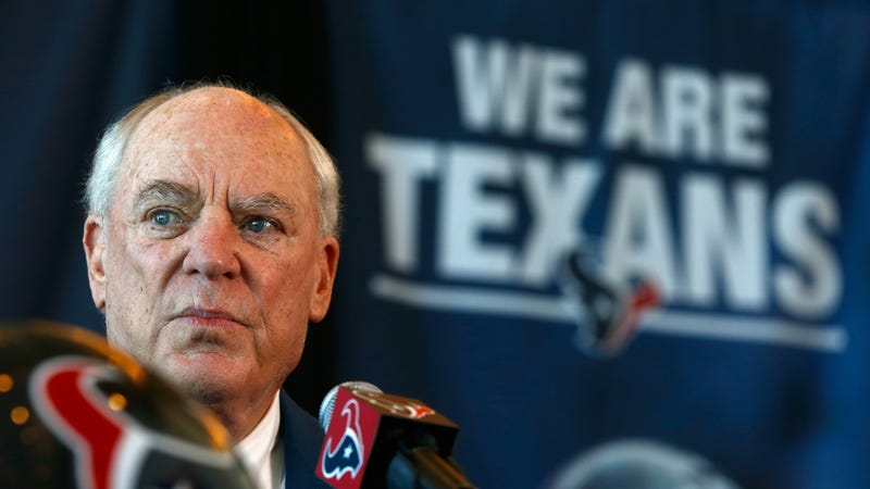 Illustration for article titled Texans Owner Bob McNair Has Died