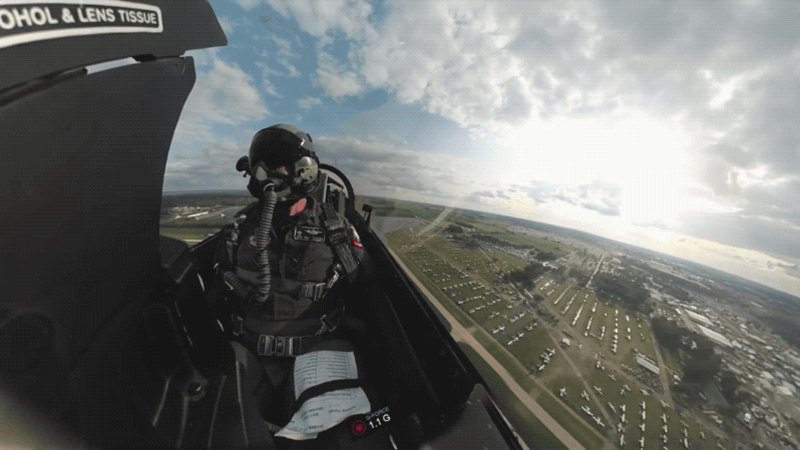 Este increíble vídeo grabado desde la cabina de un avión caza te hará desear ser piloto