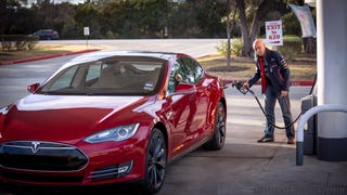 Tesla Model S P85+ Video and Photoshoot teaser