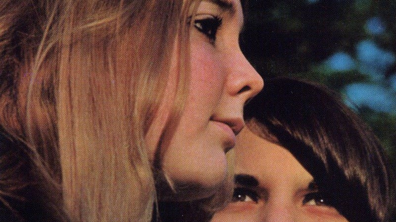 Illustration for article titled A mysterious teenage duo, straight from 1969