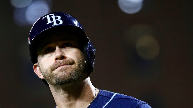 Giants acquire Evan Longoria from Rays for 4 players