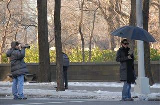Illustration for article titled Jennifer Garner Updates Famous Seurat Painting For Paparazzi