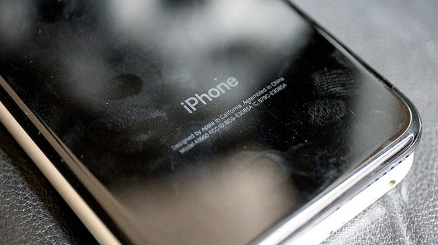 Apple Settles Lawsuit Over Throttled iPhones, Agrees to Pay up to $500 Million
