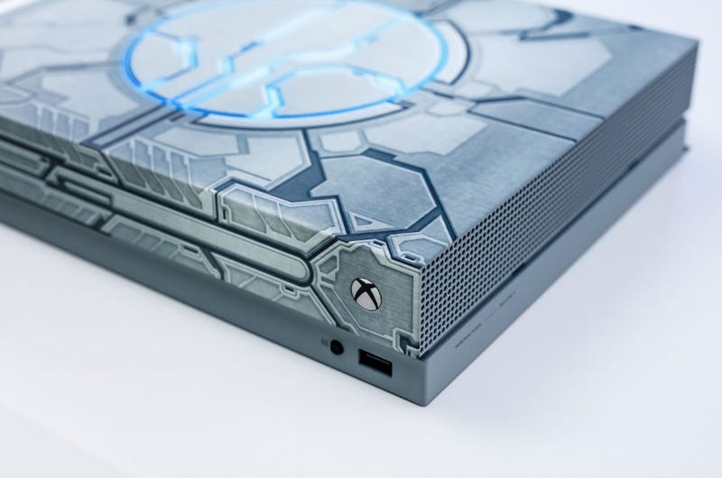 Illustration for article titled Microsoft's Custom Charity Consoles Are Great