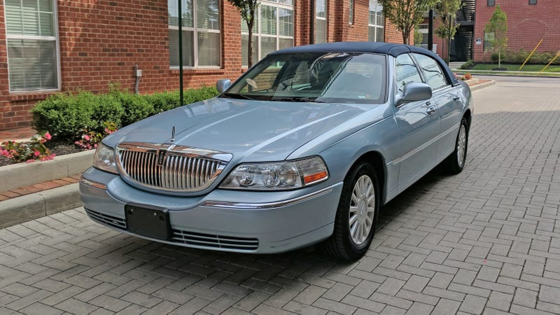 It S Time To Admit The Lincoln Town Car Is The World S Best Budget