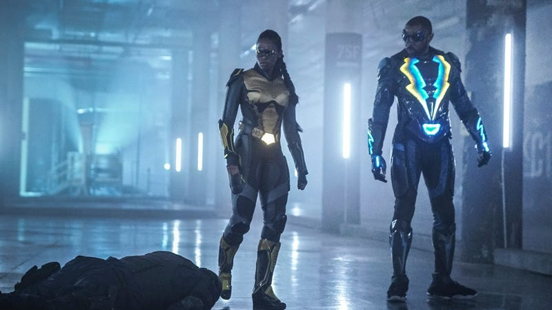Anissa (Nafessa Williams) and her dad Jefferson (Cress Williams) team up on Black Lightning.
