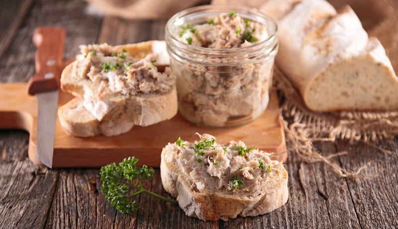 Illustration for article titled The easiest way to make rillettes is in your slow cooker