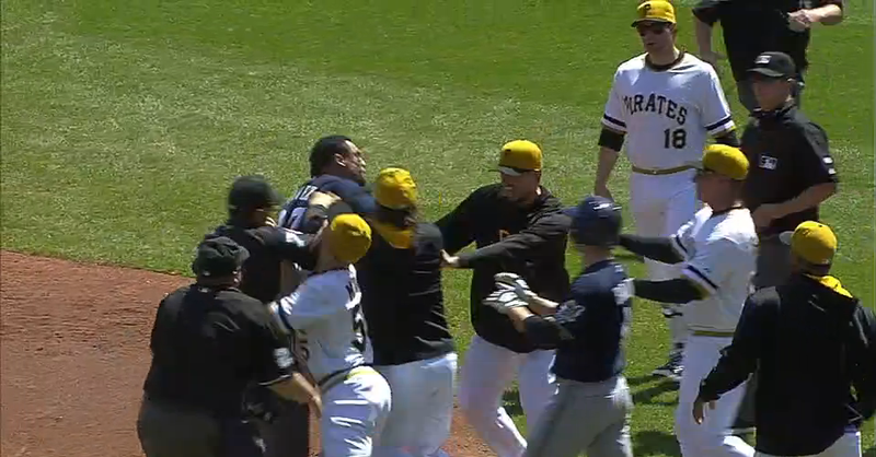 Illustration for article titled Carlos Gomez's Triple Sparks Bench-Clearing Altercation