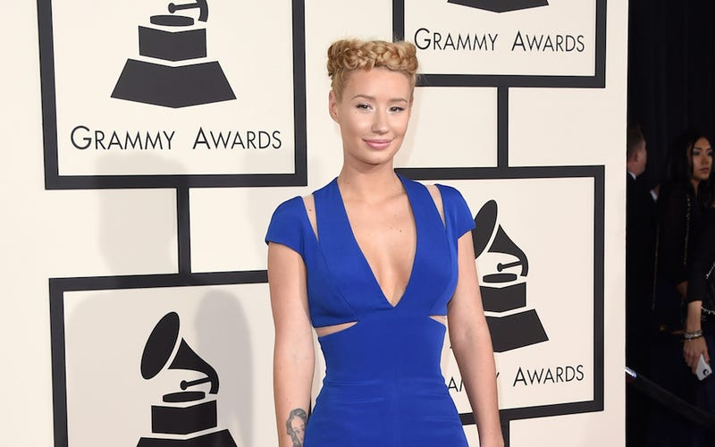Illustration for article titled Iggy Azalea's Blood Feud With Papa John's Reaches Critical Mass