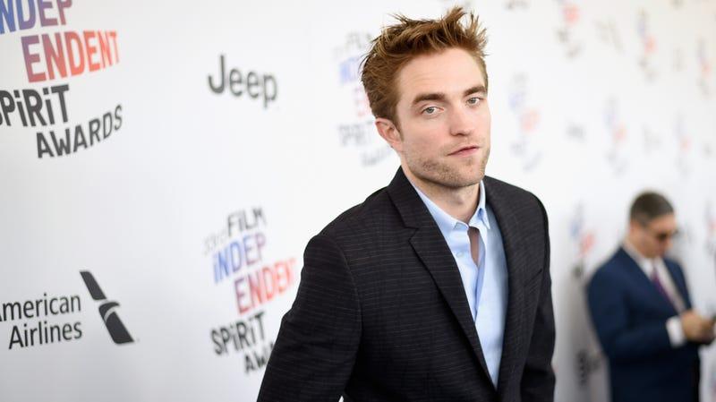 Illustration for article titled Robert Pattinson joinsTimothéeChalamet for some handsome brooding on Netflix's The King