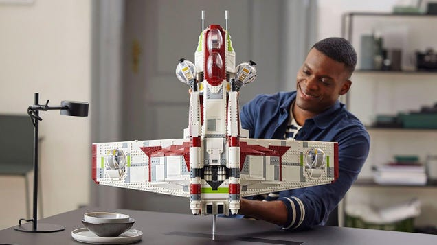 Lego s New Star Wars Republic Gunship Is Here, and Larger Than Your Torso