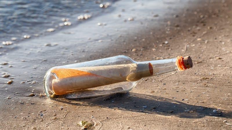 Illustration for article titled Aparece en la costa de Australia el mensaje en una botella más antiguo conocido