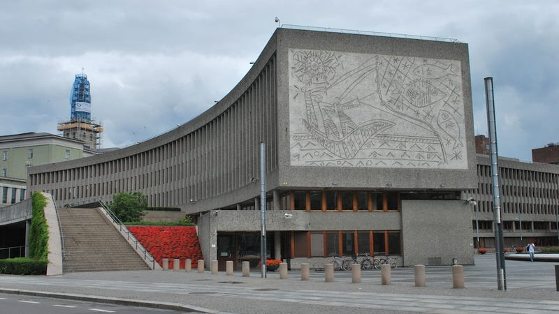Illustration for article titled Why Norway Might Have to Tear Down These Massive Picasso Murals