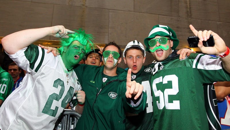 Illustration for article titled Mark Sanchez Hired A Small Army Of Cops To Guard His Informal Offseason Jets Practices