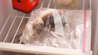 Illustration for article titled Keep an Oiled Rag in the Freezer to Prep Hot Indoor Grill Pans for Cooking