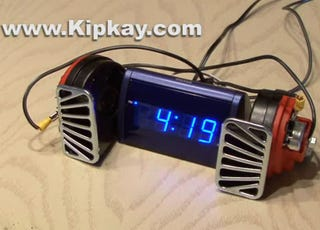 Illustration for article titled Hacked Alarm Clock With 140-Decibel Electric Horns Should Be Murdered