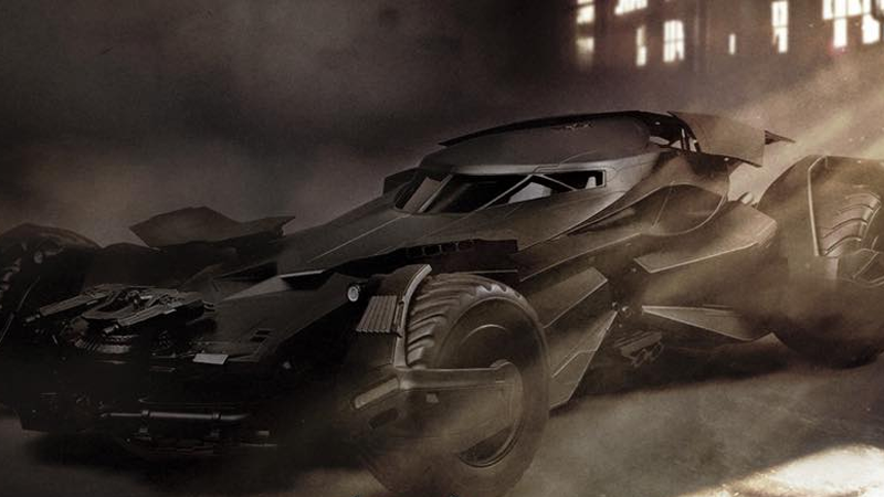 Illustration for article titled Hot Toys' Batman v SupermanLine Will Include a Massive Batmobile, Too