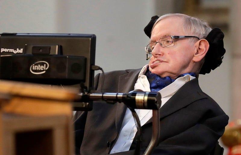 Stephen Hawking insiste a las agencias espaciales a que se preparen para abandonar la Tierra antes de 100 años