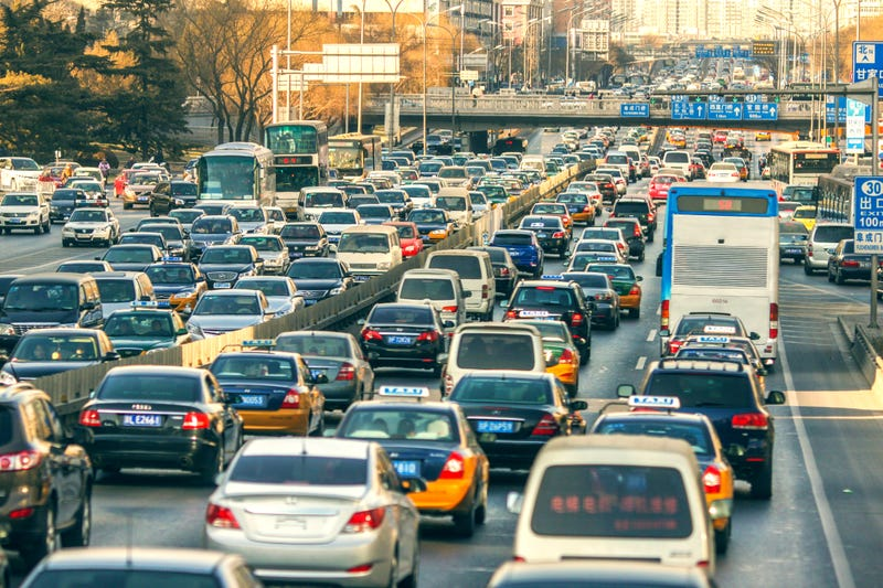 How to Survive Being Stuck in Traffic with Small Kids This Holiday Weekend