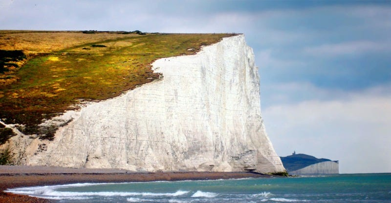"""Where ignorant armies clash by night"": 19th century poet Matthew Arnold immortalized the famous White Cliffs of Dover in an 1849 poem. (Image:Chantal de Bruijne/Shutterstock)"
