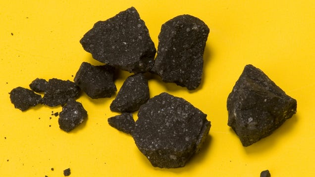 Scientists Look in an Ancient Meteorite and Find Evidence of CO2-Laced Water