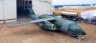 Illustration for article titled Meet The Embraer KC-390, The Jet Powered Challenger To The C-130