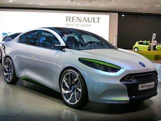 Illustration for article titled Renault Fluence ZE Electric Concept: We Surrender!