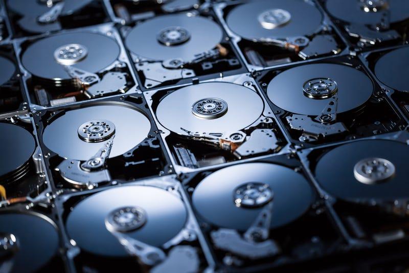 Illustration for article titled Lo último en almacenamiento: discos duros rellenos de helio
