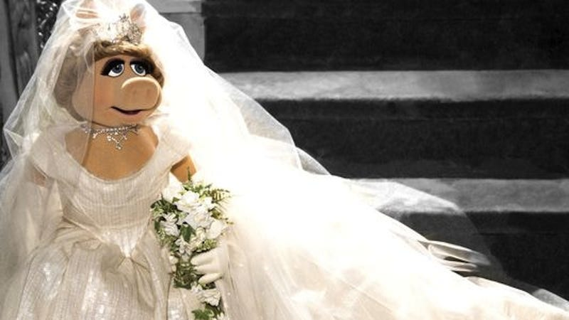 Illustration for article titled Miss Piggy Will Be Getting Married in Vivienne Westwood, Of Course