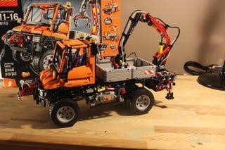 Illustration for article titled Evening repost: LEGO Unimog U400