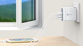 iClever BoostCube+ 40W con cuatro puertos de carga USB   $15   Amazon   Código promocional ICICWC40