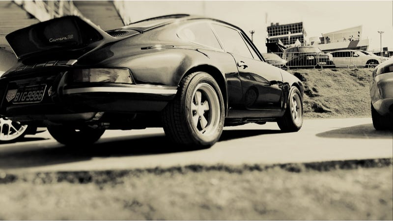 Illustration for article titled Your Ridiculously Awesome Porsche Carrera RS Wallpaper Is Here