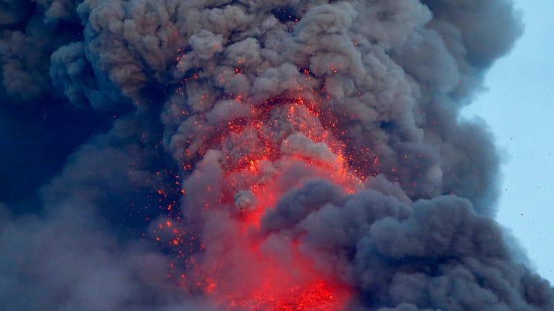 Mount Mayon on Thursday, Jan. 25th. Photo: AP