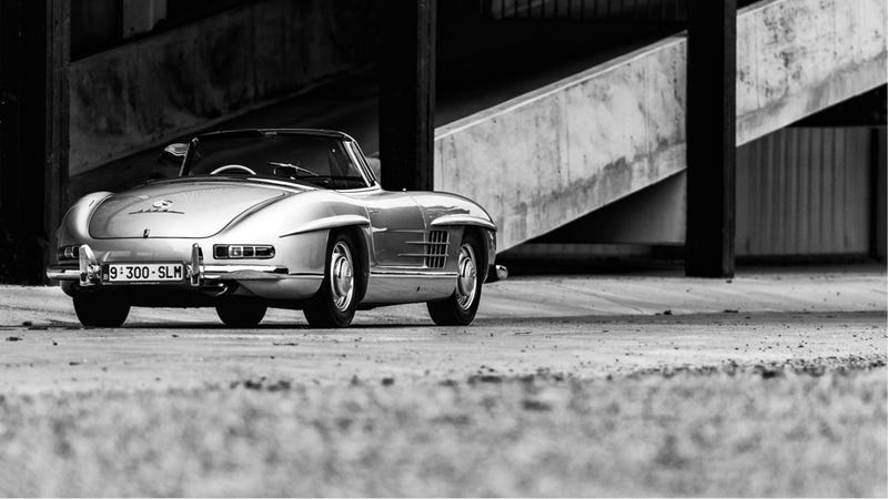 Illustration for article titled Your Ridiculously Awesome Mercedes 300SL Roadster Wallpaper Is Here