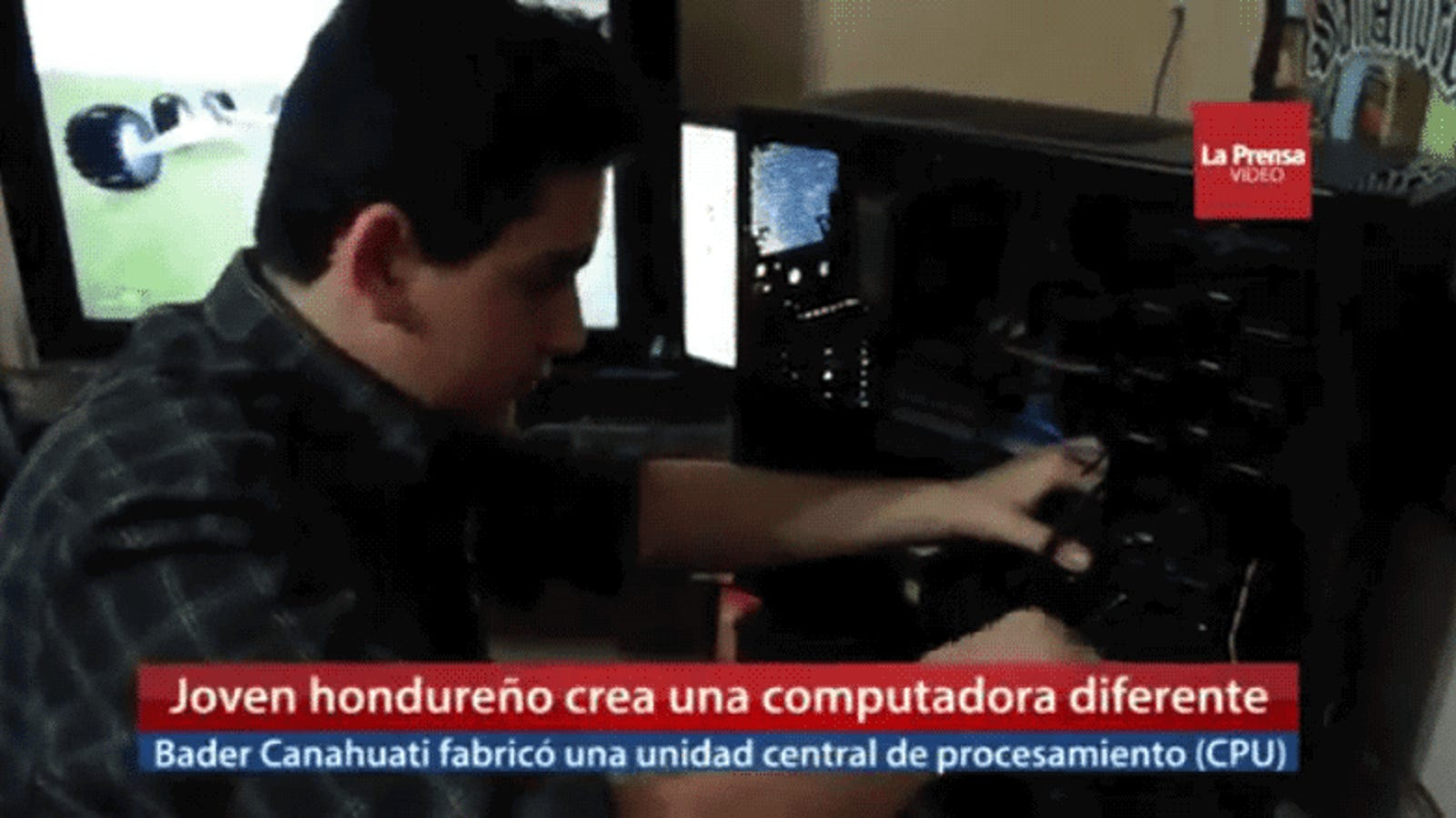 La televisión hondureña presenta como genio de la informática a un chico que cambió su disco duro