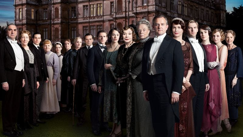 Illustration for article titled Downton Abbey's costumes create character as much as the scripts do