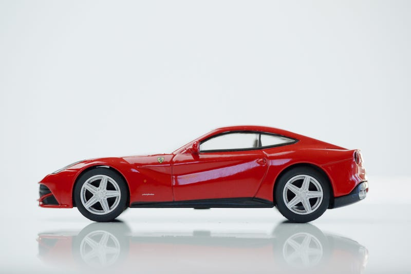 Illustration for article titled Kyosho Ferrari 9 1/64 #73 - Project Prancing Horse #73 - 2013 Ferrari F12