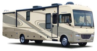 Illustration for article titled Fleetwood Southwind RV Has Diesel Bus Looks, Gas Appetite