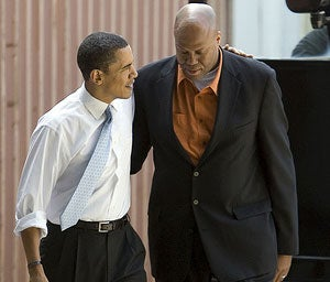Illustration for article titled Barack Obama Did Not Bail Out His Brother-In-Law At Oregon State
