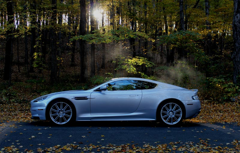 Illustration for article titled Your Ridiculously AwesomeAston Martin DBS Wallpaper Is Here