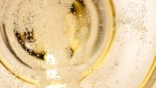 Can You Tell Champagne From Soda by the Sound of The Bubbles Alone?