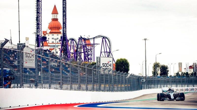 Illustration for article titled Mercedes Make Bottas Move Aside For Hamilton Win
