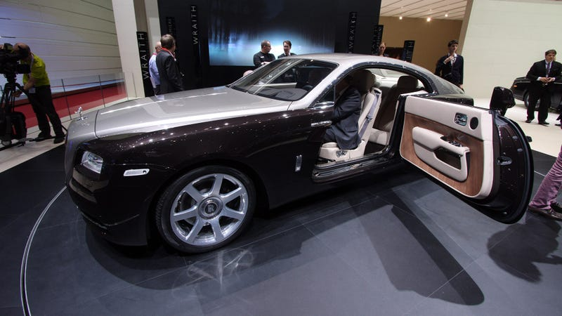 Illustration for article titled The Rolls-Royce Wraith Has Massive Suicide Doors