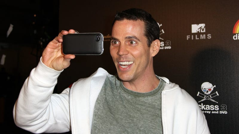 Illustration for article titled Steve-O Brings Woman Who Filmed Him Onstage, Calls Her a 'Dumb Bitch'