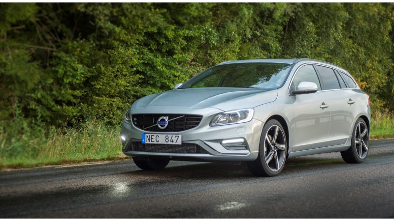 The Volvo V60 And Cross Country Are Nerds Of Automobile Kingdom What Do You Need To Know Before A