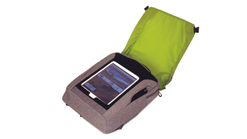 Illustration for article titled Make a Human Centipede of Tablets With a See-Through Bag